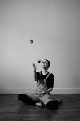 Dans la photo Marine Lefèvre joue son personnage (Photo by Célia Lefèvre and Vincent Michon)